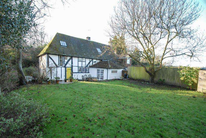 4 Bedrooms Semi Detached House for sale in Albourne Road, Hurstpierpoint