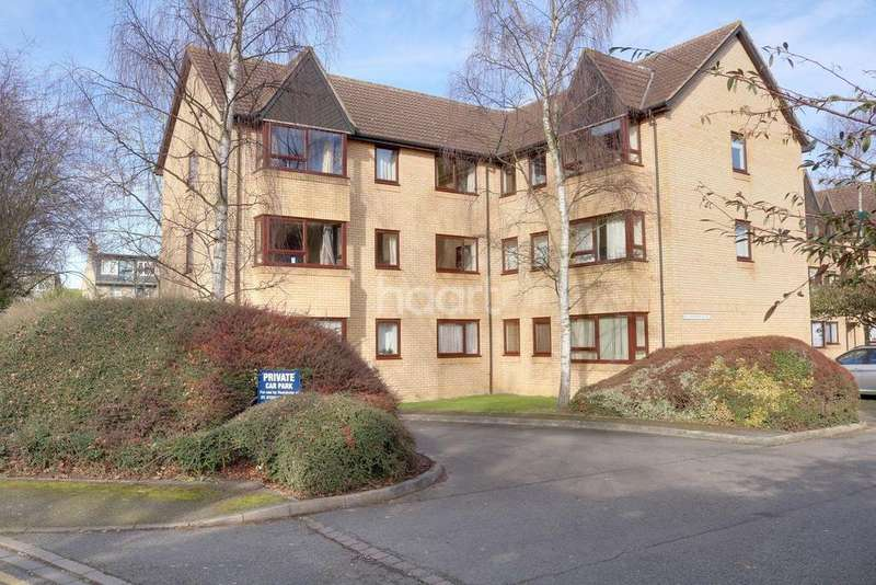 2 Bedrooms Flat for sale in St Stephens Place, Cambridge