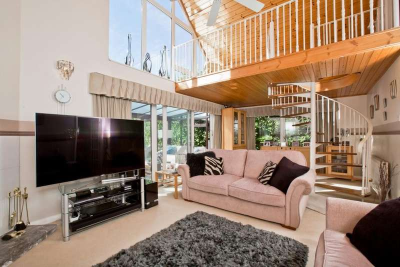 4 Bedrooms House for sale in Ditchling Common, Ditchling, Haywards Heath, RH15
