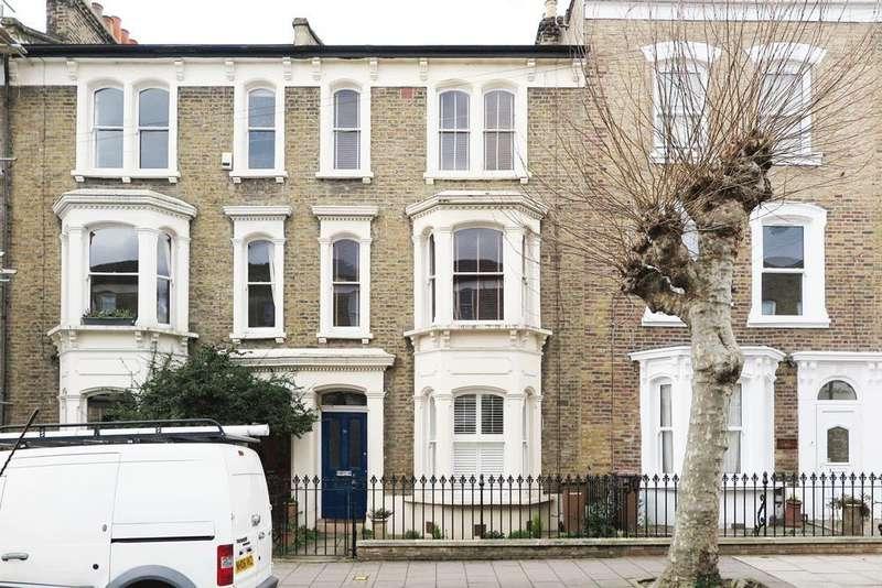 3 Bedrooms Flat for sale in Median Road, London