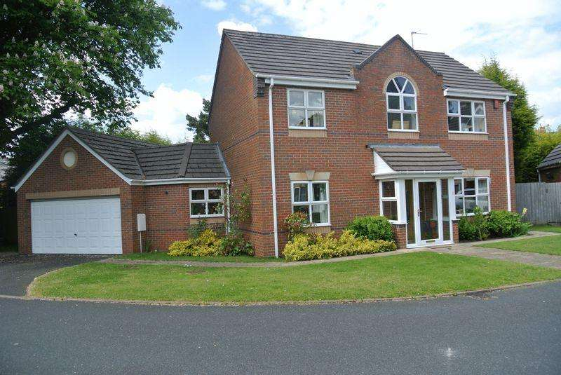 4 Bedrooms Detached House for sale in Dove Close, Walsall
