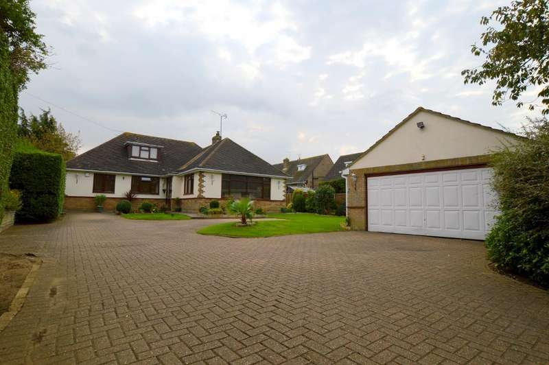 4 Bedrooms Detached Bungalow for sale in Icknield Way, Luton, Bedfordshire, LU3 2JL