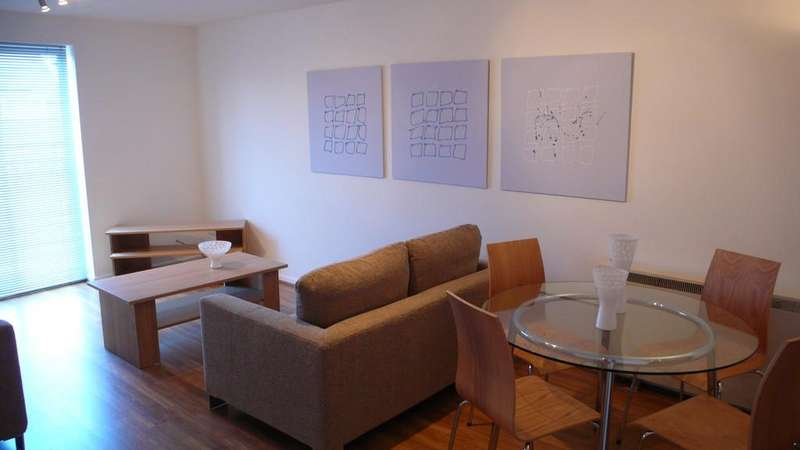 2 Bedrooms Apartment Flat for rent in St Davids Court, Cheetham Hill