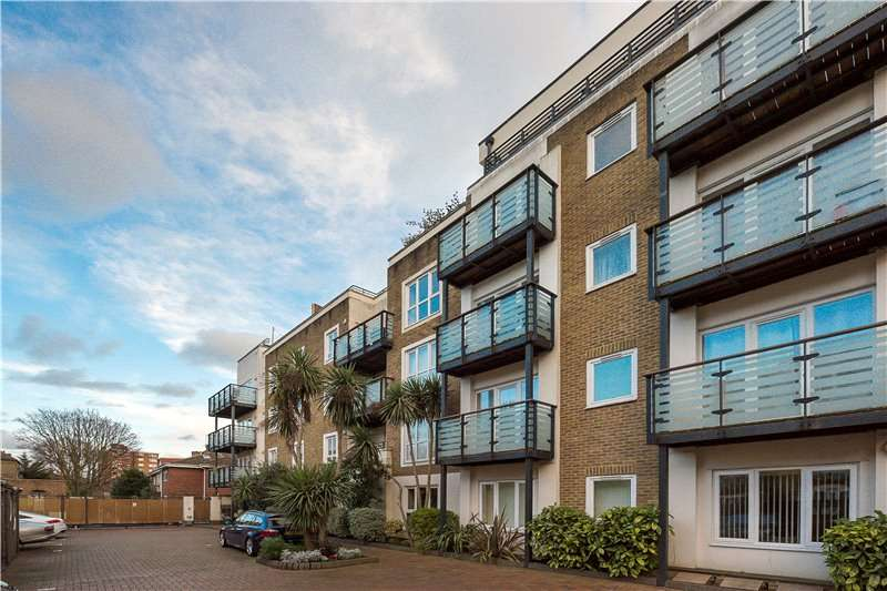 2 Bedrooms Flat for sale in Spectrum Place, Lytham Street, Walworth, London, SE17