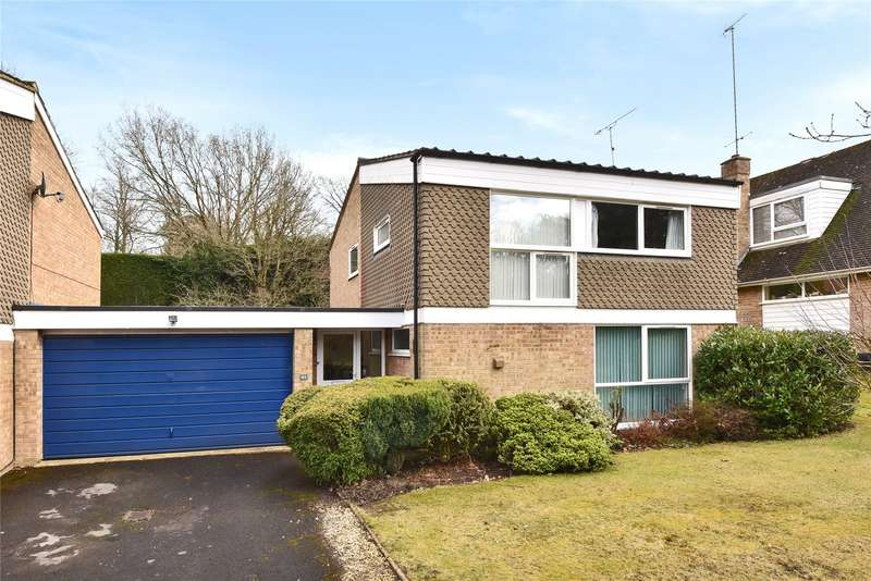 4 Bedrooms Link Detached House for sale in Wellesley Drive, Crowthorne, Berkshire, RG45
