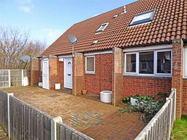 4 Bedrooms End Of Terrace House for sale in Langcliffe Drive, Heelands, Milton Keynes, Buckinghamshire
