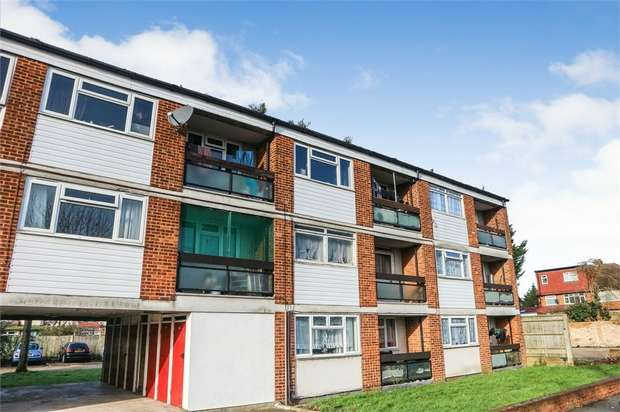 1 Bedroom Flat for sale in Perth Avenue, Hayes, Greater London