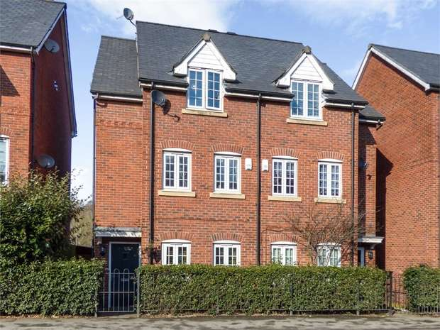 5 Bedrooms Semi Detached House for sale in Market Street, Radcliffe, Manchester, Lancashire