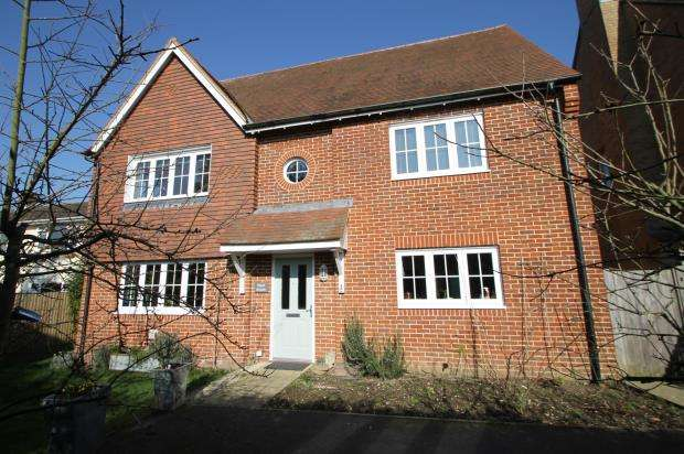 4 Bedrooms Detached House for sale in Petworth, West Sussex, .