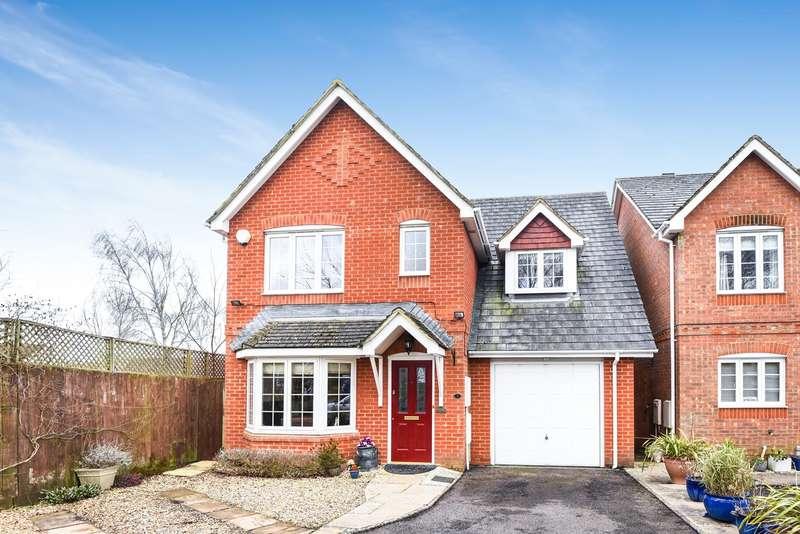 3 Bedrooms Detached House for sale in Balsan Close, Park Village, Basingstoke, RG24