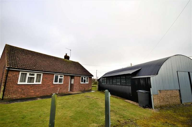 2 Bedrooms Detached Bungalow for sale in Coggeshall Road, Earls Colne, CO6 2JS