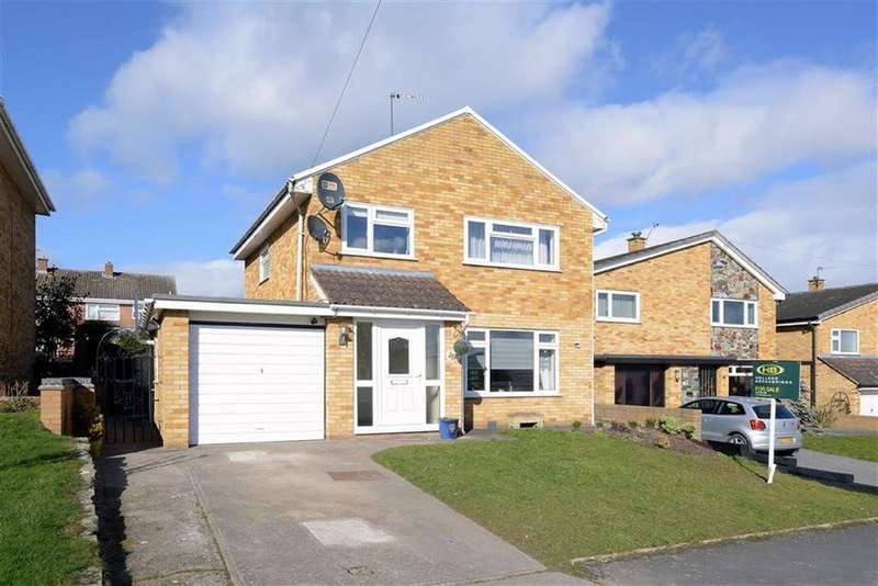 3 Bedrooms Detached House for sale in Ashfields Road, Heath Farm, Shrewsbury, Shropshire