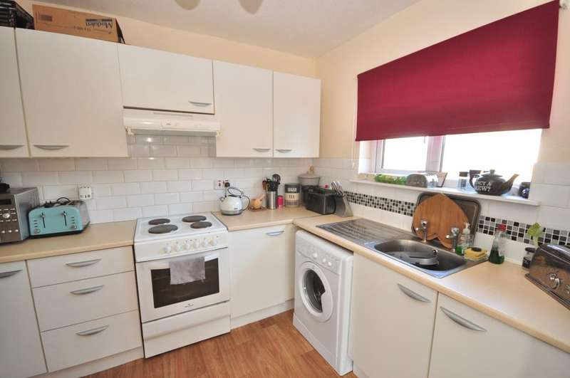 2 Bedrooms Apartment Flat for rent in Fairfax Avenue Basildon SS13