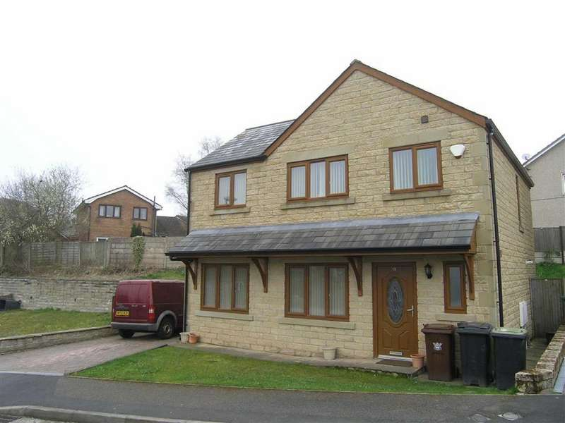 3 Bedrooms Detached House for rent in Hazelwood Close, Glossop, Glossop