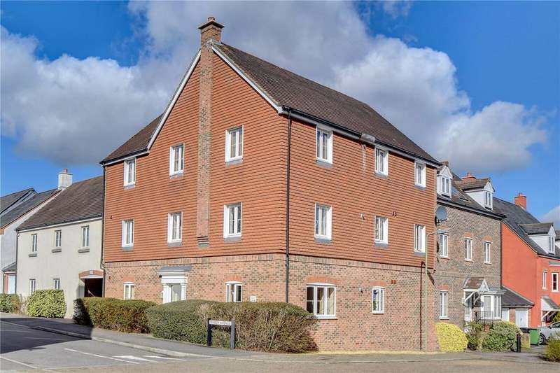 2 Bedrooms Flat for sale in Hanbury Square, Petersfield, Hampshire
