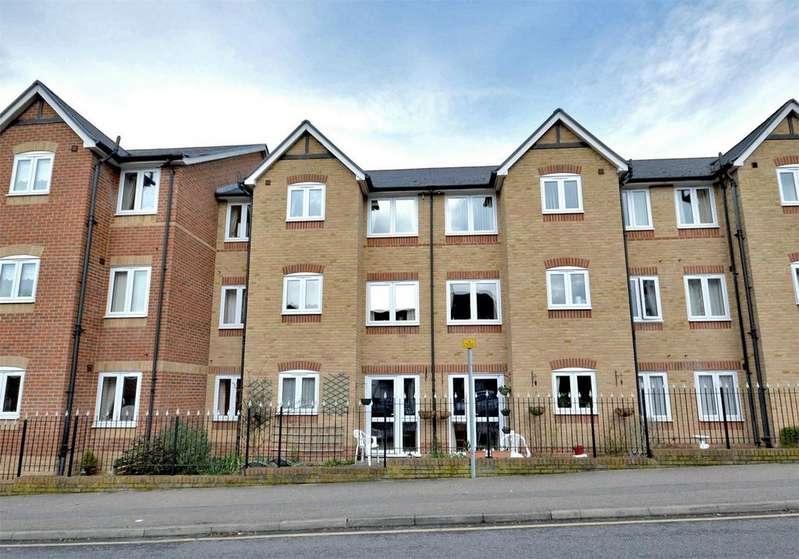 1 Bedroom Retirement Property for sale in 8 Custerson Court, Station Street, Saffron Walden