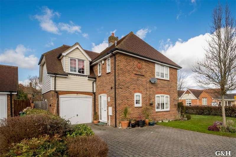 4 Bedrooms Detached House for sale in Woodlees Close, Sellindge, Ashford