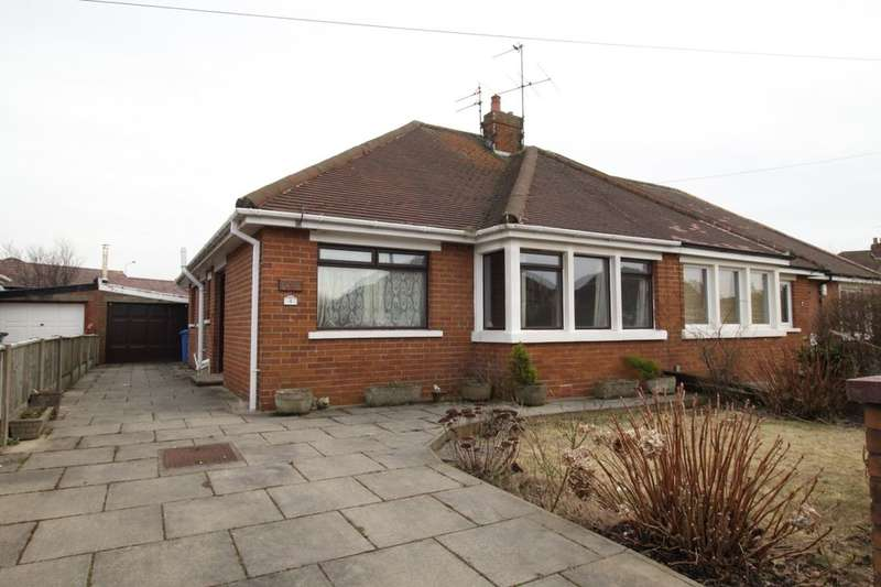 2 Bedrooms Semi Detached Bungalow for sale in Breck Close, Poulton-Le-Fylde, FY6