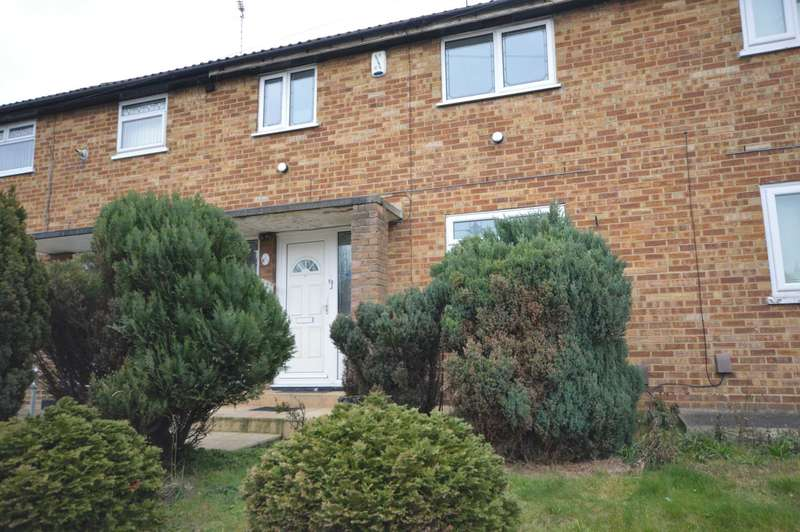 3 Bedrooms House for rent in Crumpsall Street, Abbey Wood