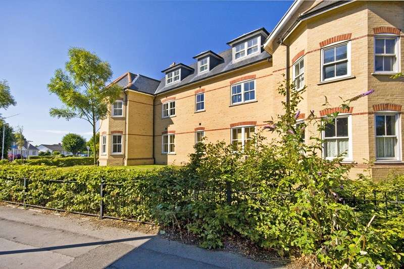 2 Bedrooms Flat for sale in Clarence Place, Christchurch
