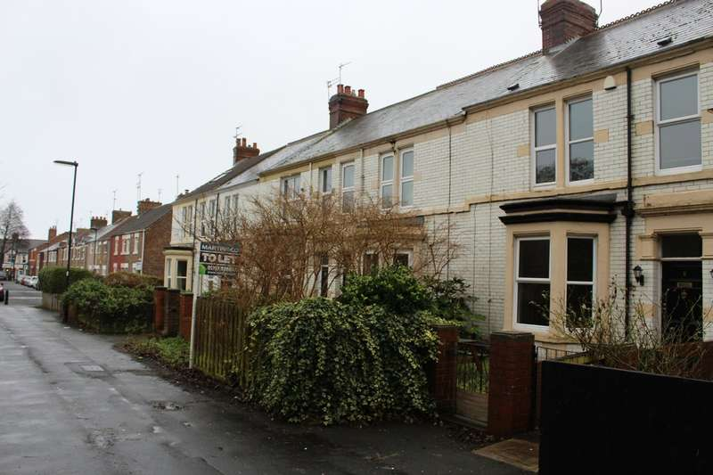 3 Bedrooms Terraced House for rent in Percy Avenue, Whitley Bay, NE26 3PR