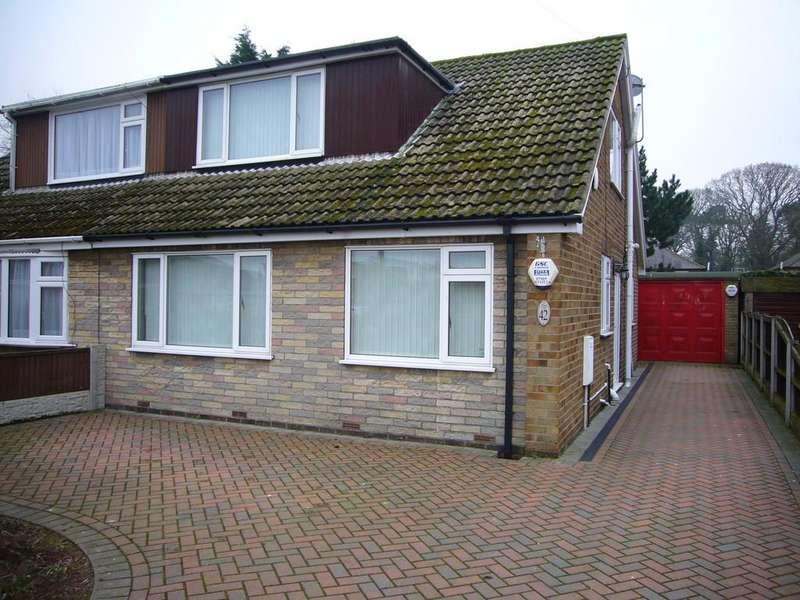 3 Bedrooms Semi Detached Bungalow for rent in Broadacres, Carlton, Nr Goole, DN14 9NF