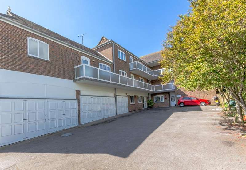 1 Bedroom Flat for sale in Olde Place Court, High Street, , Rottingdean, Brighton BN2