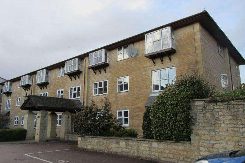 2 Bedrooms Apartment Flat for sale in Falkland House, Crewkerne