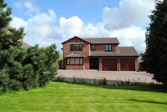 4 Bedrooms House for rent in Blind Lane, Houghton Le Spring