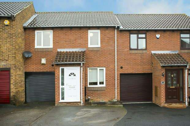 3 Bedrooms Semi Detached House for sale in Bridport Close, Lower Earley, Reading
