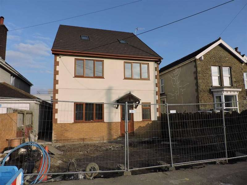 4 Bedrooms Detached House for sale in St. Johns Road, Clydach