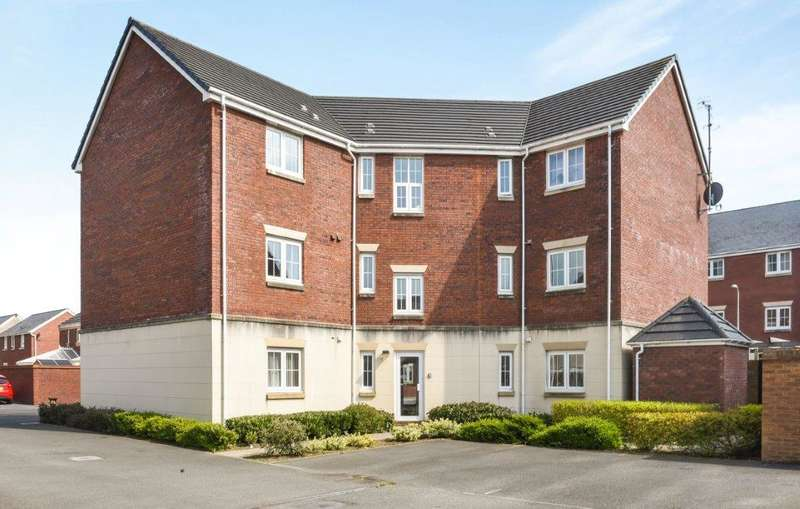 2 Bedrooms Apartment Flat for sale in Six Mills Avenue, Gorseinon, Swansea
