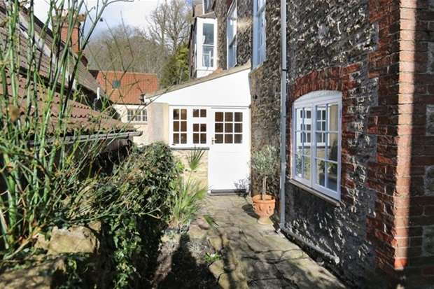 6 Bedrooms Terraced House for sale in North Parade, Frome