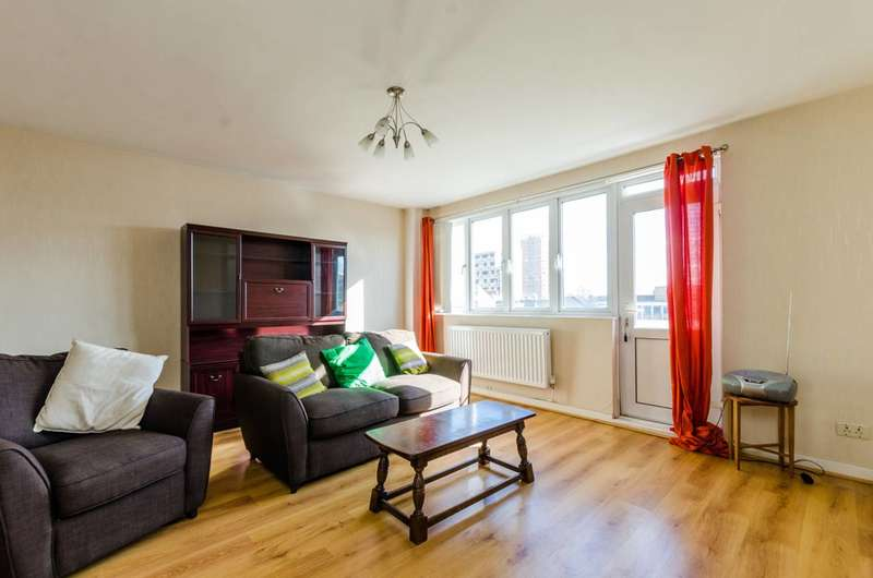 3 Bedrooms Maisonette Flat for sale in Fellows Court, Shoreditch, E2