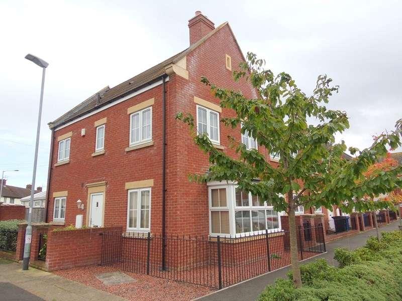 3 Bedrooms Property for sale in Turner Square, Morpeth, Morpeth, Northumberland, NE61 2JA