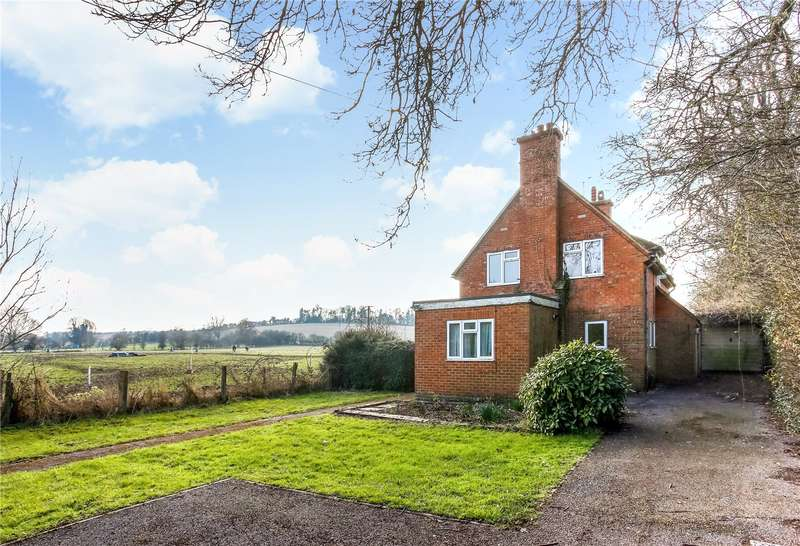 3 Bedrooms Detached House for sale in Upper Clatford, Andover, Hampshire, SP11
