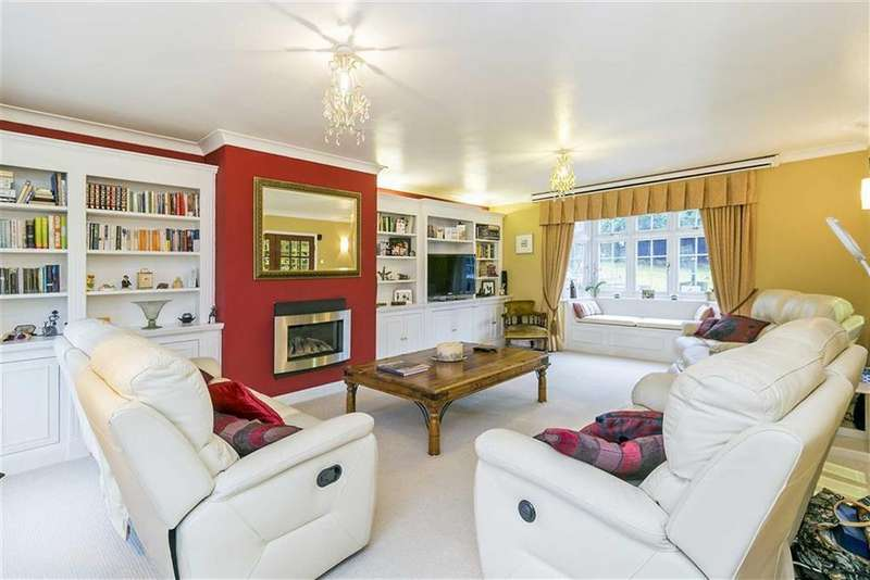 4 Bedrooms Detached House for sale in Talisman Way, Epsom, Surrey