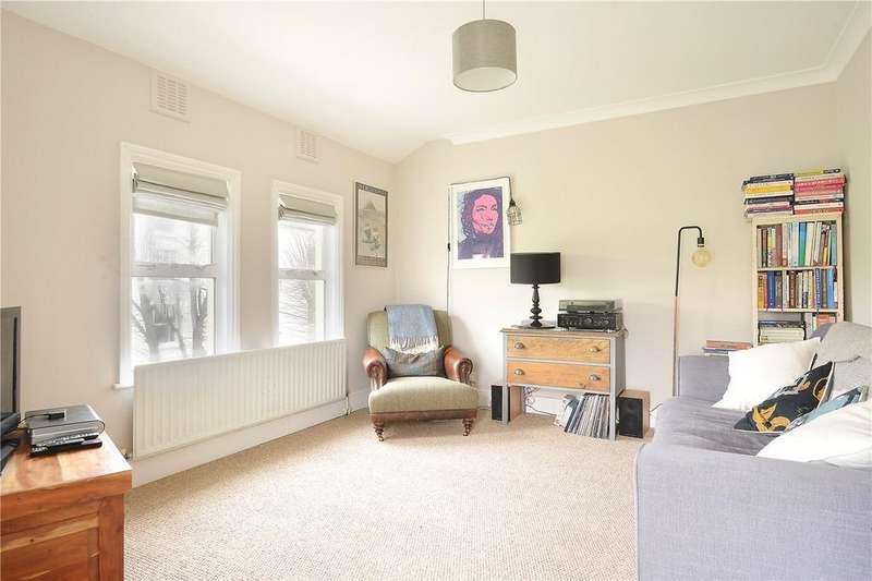 3 Bedrooms Flat for sale in Rye Hill Park, Nunhead, London, SE15