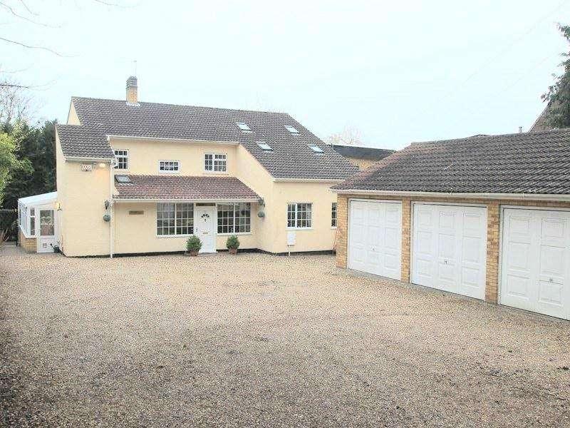 4 Bedrooms Detached House for sale in Low Road, LOWER HELLESDON, Norwich