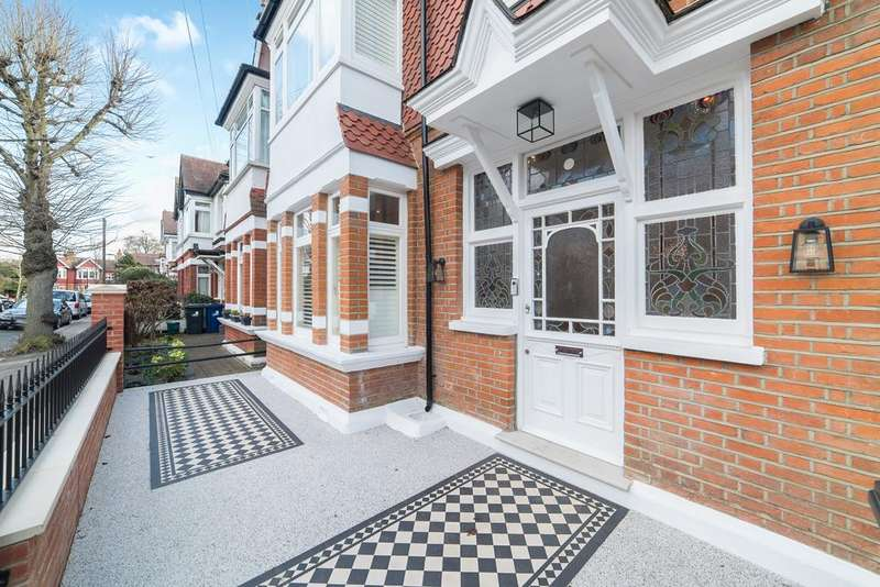 6 Bedrooms House for sale in King Edwards Gardens, Acton