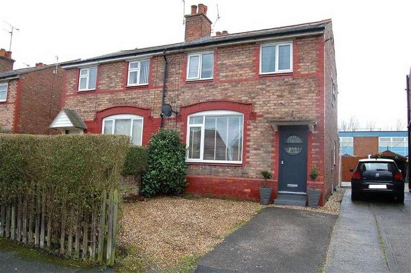 3 Bedrooms Semi Detached House for sale in Park Road, Ellesmere Port