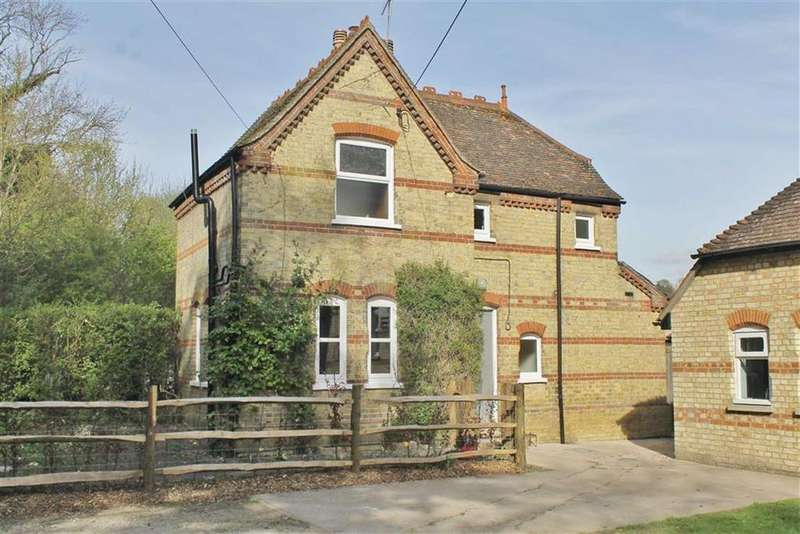 2 Bedrooms Detached House for rent in The School House, Luddesdown Road, DA13