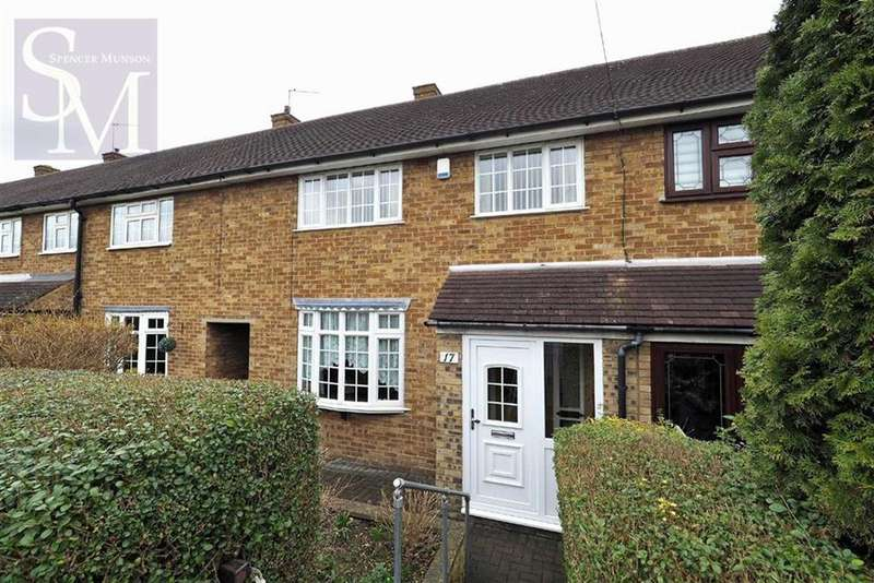 3 Bedrooms Terraced House for sale in Durnell Way, Loughton
