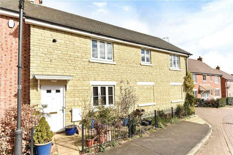 3 Bedrooms Semi Detached House for sale in The Sidings, Shipston-On-Stour, Warwickshire, CV36