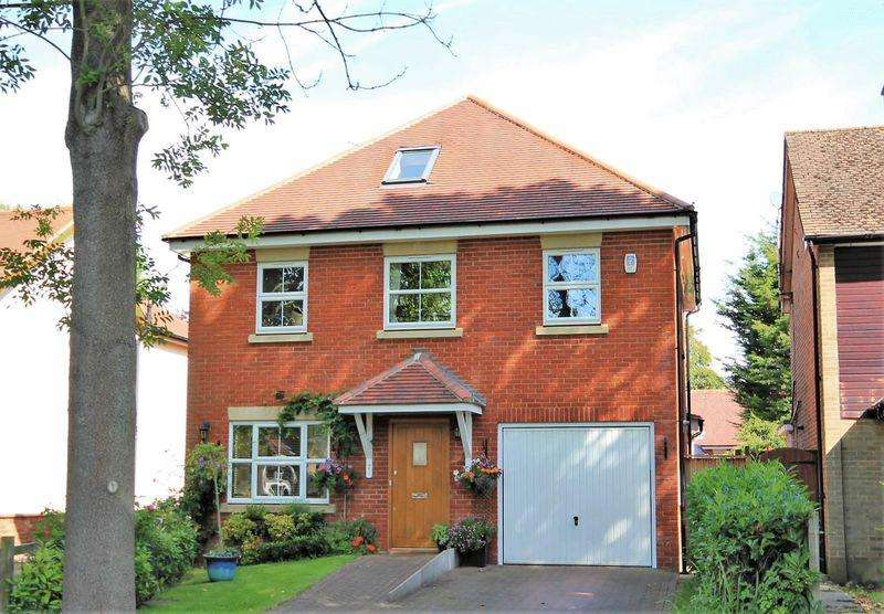 4 Bedrooms Detached House for sale in Park Avenue, Hutton