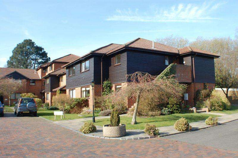 2 Bedrooms Retirement Property for sale in Tadworth
