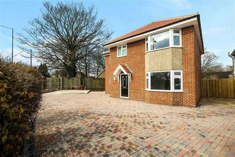3 Bedrooms Detached House for sale in Beechcroft Road, Stratton, Wiltshire