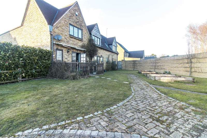 5 Bedrooms Detached House for sale in Lavender Lane, Cliffsend, Ramsgate