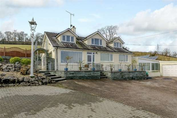 5 Bedrooms Detached House for sale in Windermere Road, Lindale, Grange-Over-Sands, Cumbria