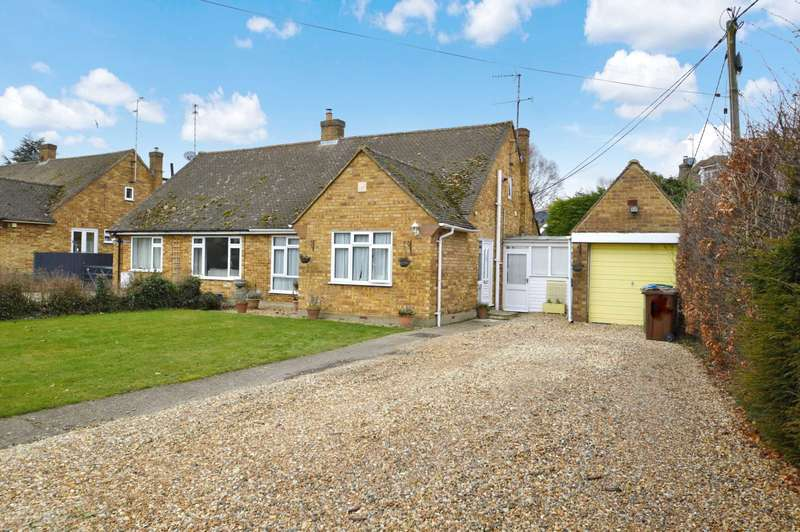 2 Bedrooms Bungalow for sale in Brook End, Weston Turville